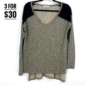 Bethany Mota long sleeve sweater medium v-neck